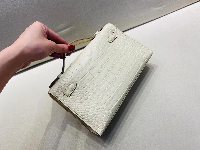 Hermès(爱马仕)miniKelly pochette 22cm 银扣 雾面鳄鱼 牛油白 8L 顶级纯手工 现货