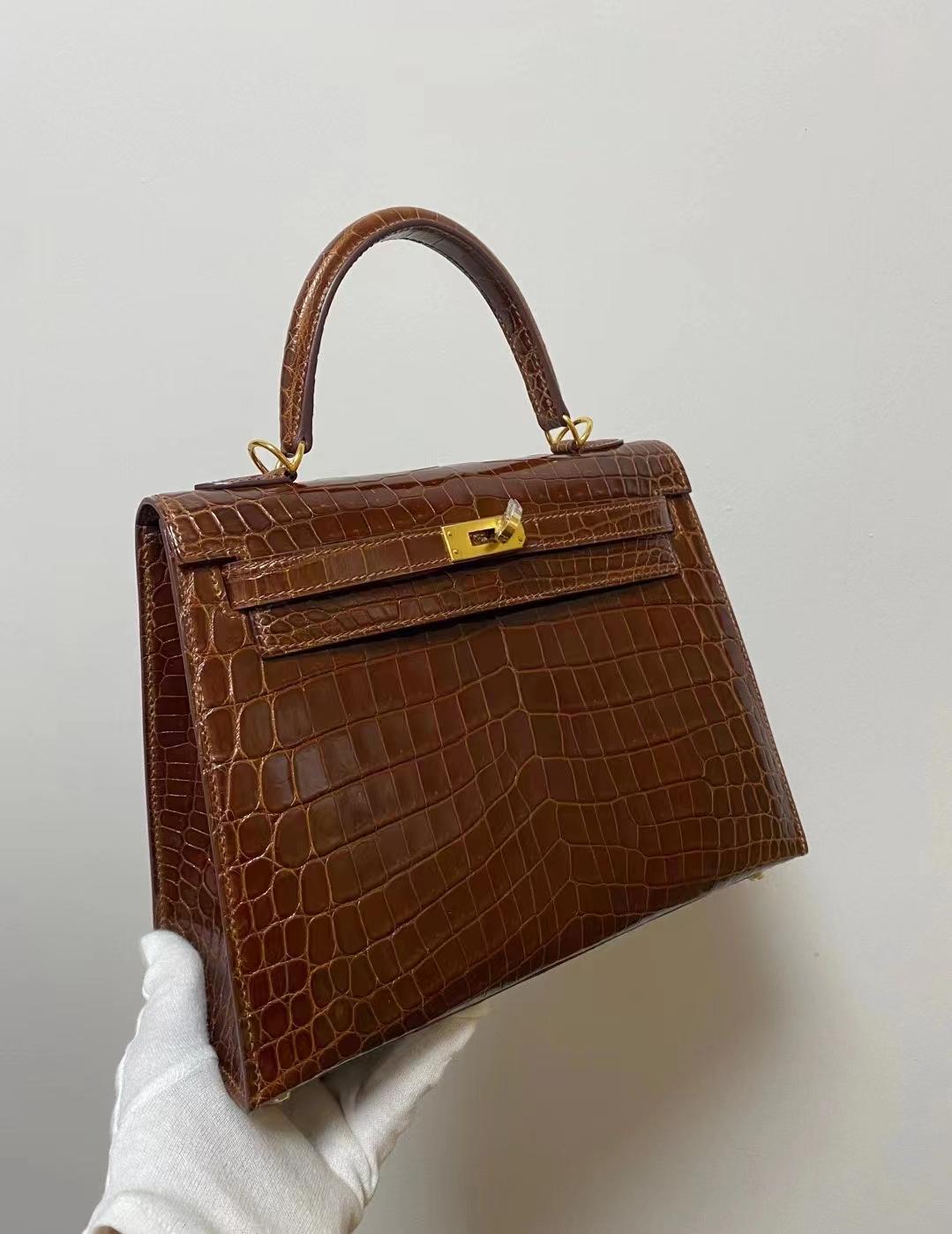 Hermès(爱马仕)Kelly 25cm 金扣 焦糖色 亮面尼罗鳄 新货