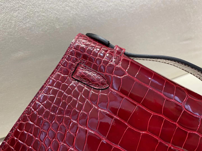 Hermès(爱马仕)miniKelly pochette 22cm 金扣 亮面 鳄鱼皮 波尔多酒红 顶级纯手工 现货