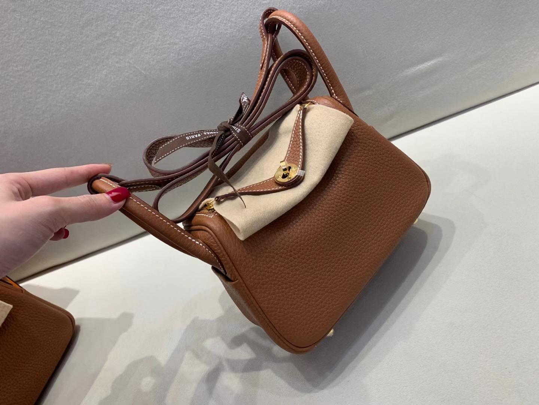 Hermès(爱马仕)miniLindy 迷你琳迪 Tc 金棕色 顶级纯手工 现货现货 金扣 19cm