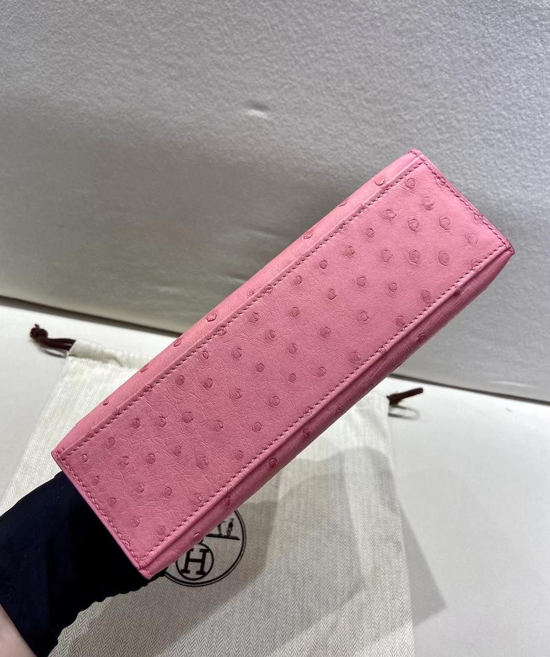 Hermès(爱马仕)miniKelly 一代 银扣 鸵鸟皮 泡泡糖粉 顶级纯手工 现货