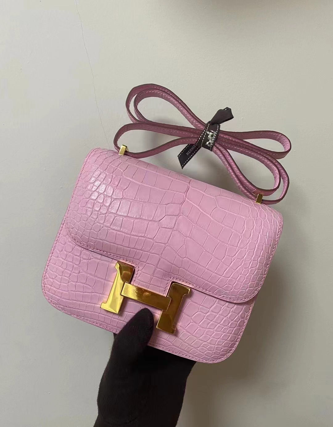 Hermès(爱马仕)constance 空姐包 雾面鳄鱼 樱花粉 3p 金扣 19cm 顶级纯手工 现货