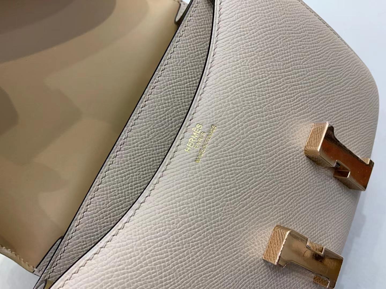 Hermès(爱马仕)Constance 空姐包 epsom 风衣灰s2拼奶茶色 19cm 玫瑰金 顶级品质