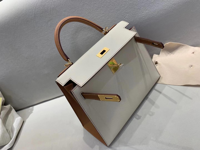 Hermès(爱马仕)Kelly 凯莉包 epsom 奶昔白 c10 拼 金棕色 ck37 28cm 金扣 顶级品质