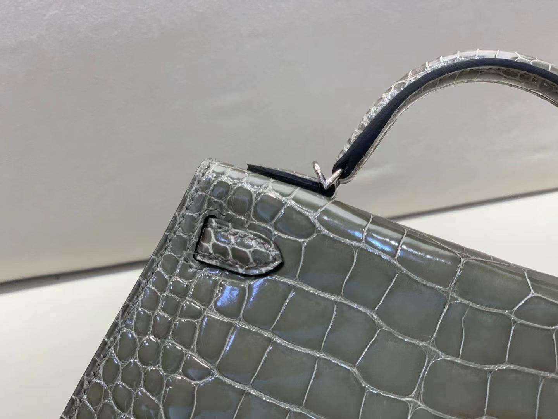 Hermès(爱马仕)miniKelly 迷你凯莉 亮面鳄鱼 斑鸠灰 美洲方块 二代 银扣 顶级品质 现货