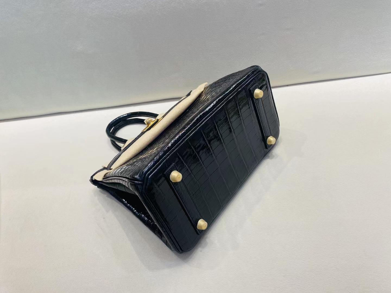 Hermès(爱马仕)Birkin 铂金包 亮面鳄鱼皮 黑色 金扣 25cm 顶级纯手工 百年经典