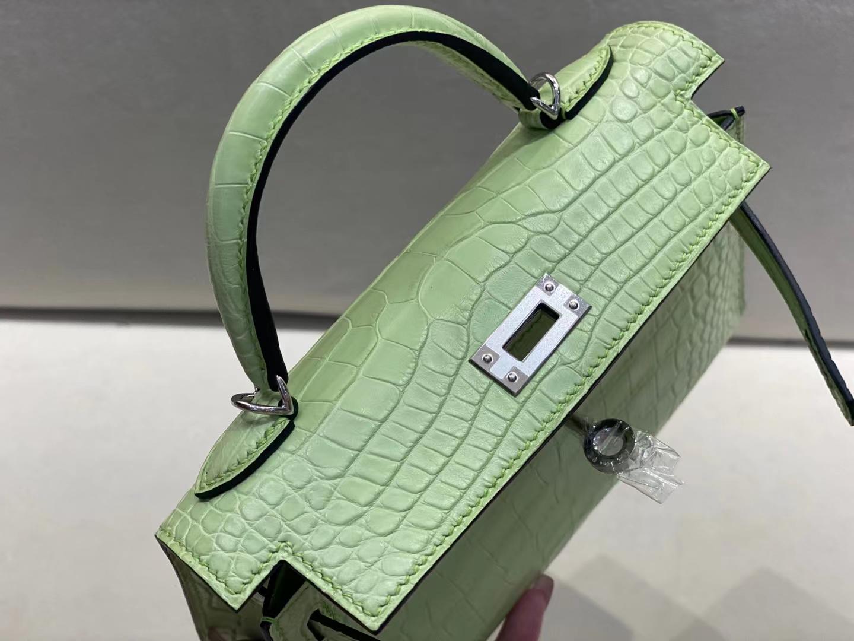 Hermès(爱马仕)miniKelly 迷你凯莉 雾面鳄鱼 嫩芽绿 R9 二代 银扣