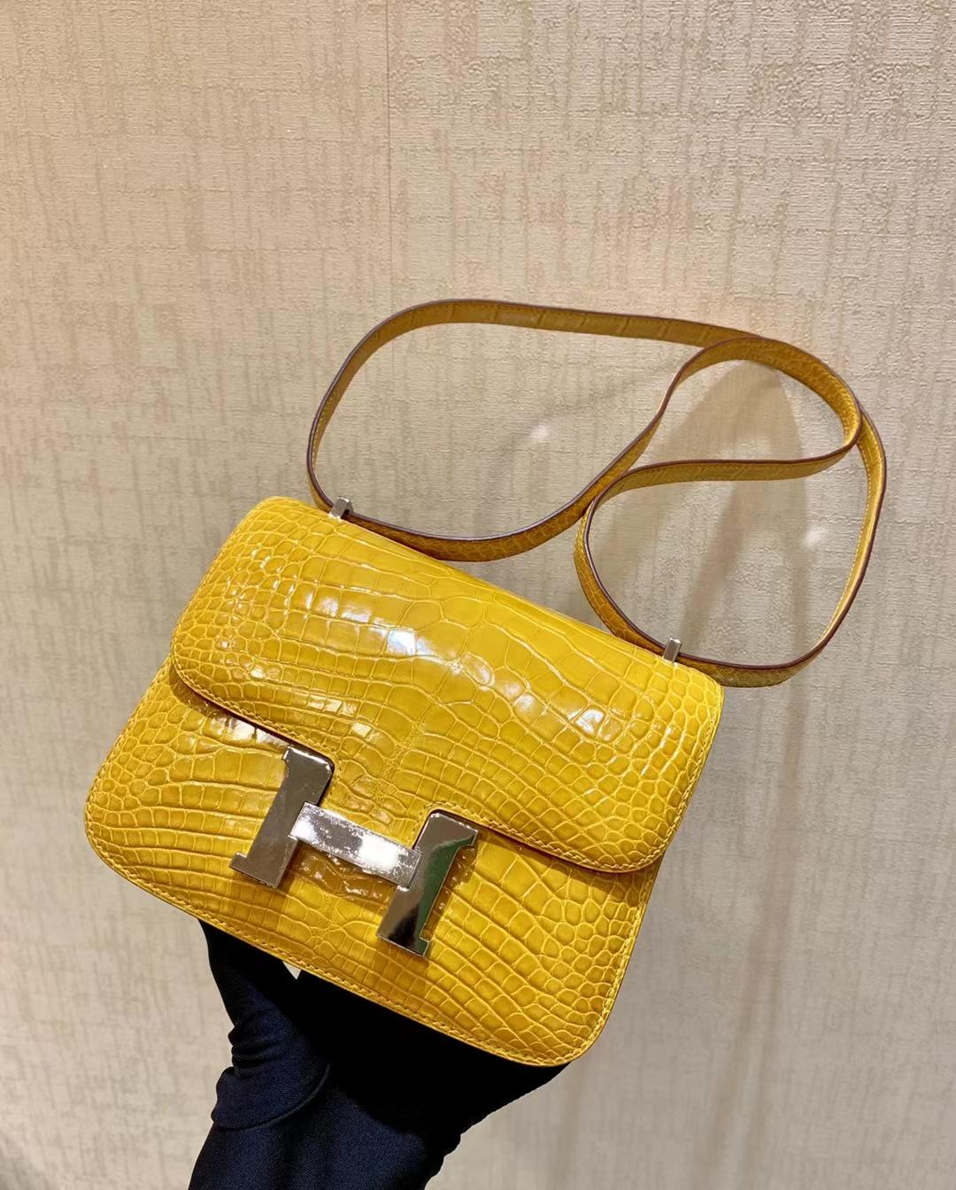 Hermès(爱马仕)Constance 康斯坦斯 鳄鱼皮 9D 琥珀黄 金扣 18cm 顶级纯手工 现货