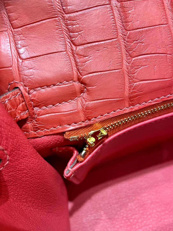 Hermès(爱马仕)Kelly 凯莉包 雾面鳄鱼 A5 杜鹃红 Bougainvillier 金扣 25cm 顶级纯手工