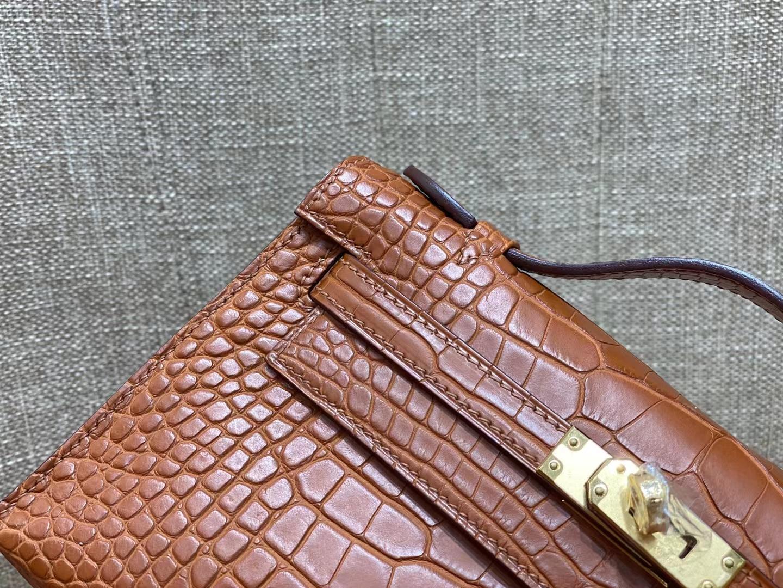 Hermès(爱马仕)miniKelly pochette Alligator matt 美洲 雾面鳄鱼 棕色 马鞍色 22cm 金扣 顶级品质