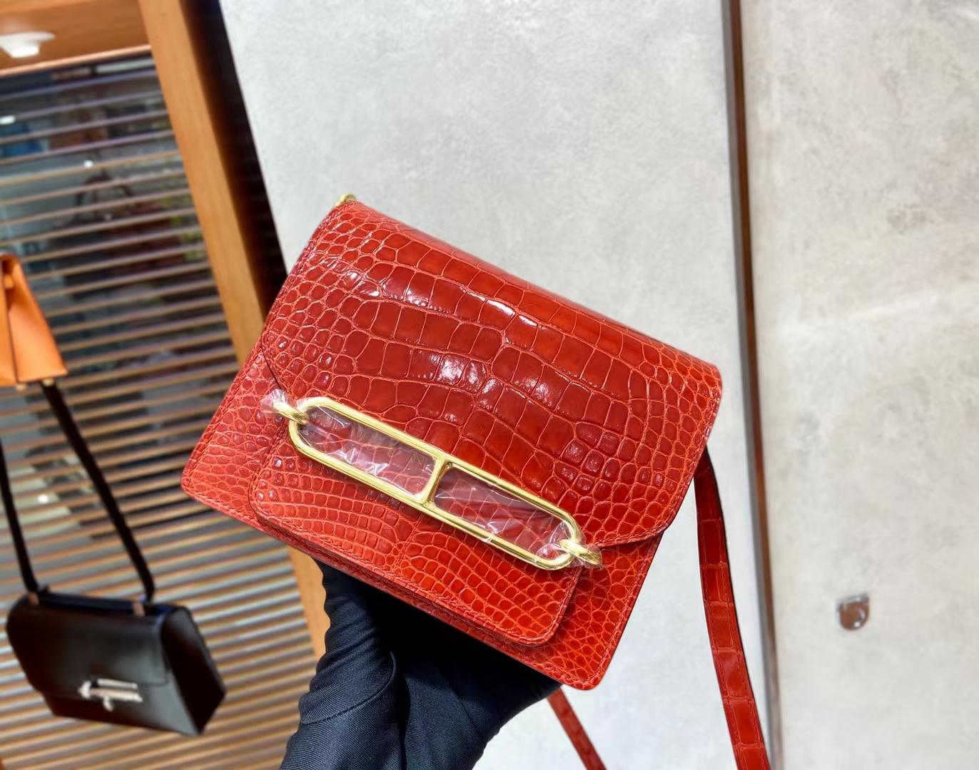 Hermès(爱马仕)Roulis 猪鼻子 亮面鳄鱼 95 法拉利红 金扣 18cm 顶级纯手工