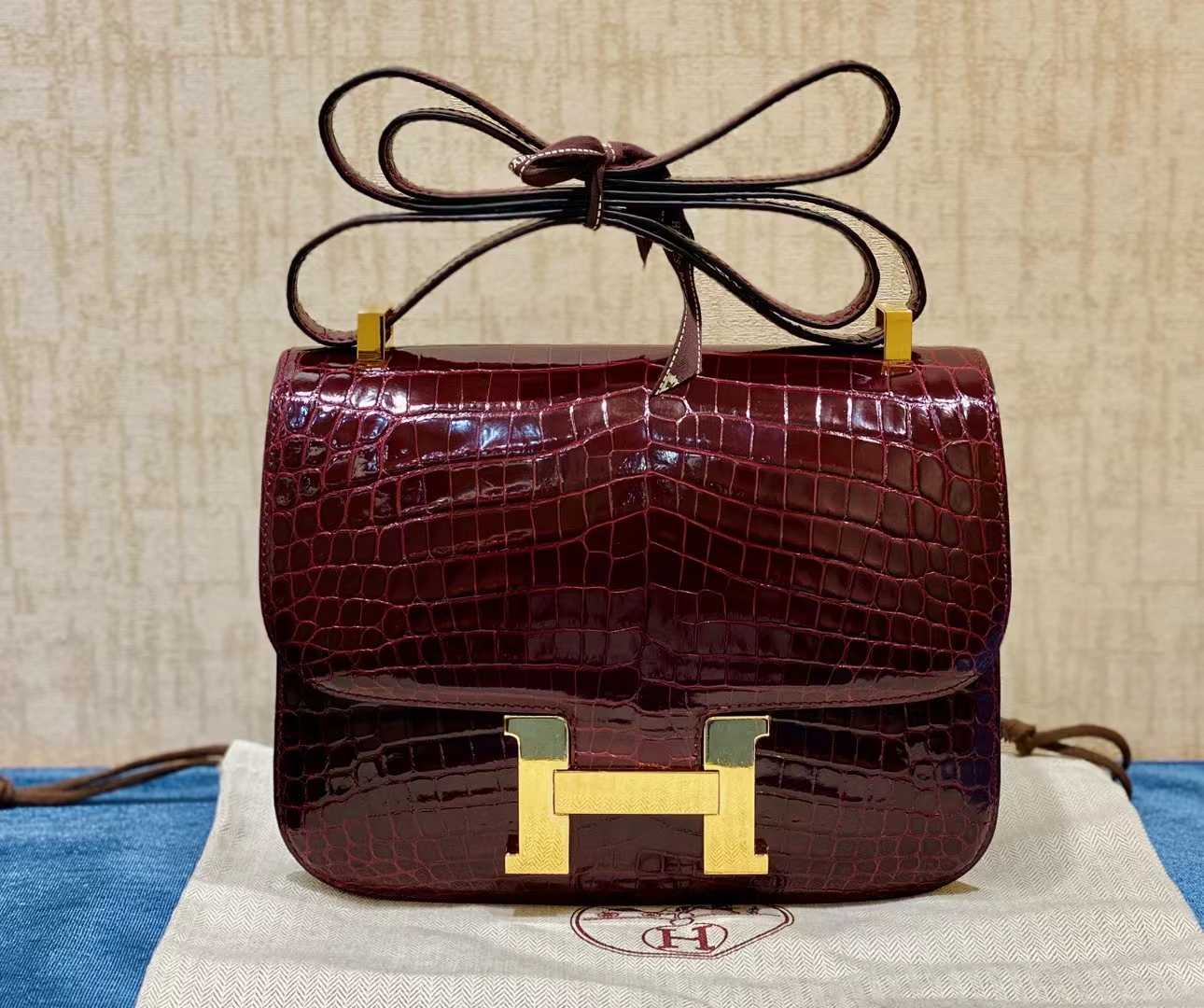 Hermès(爱马仕)Constance 康斯坦斯 鳄鱼皮 波尔多酒红 金扣 24cm 顶级纯手工