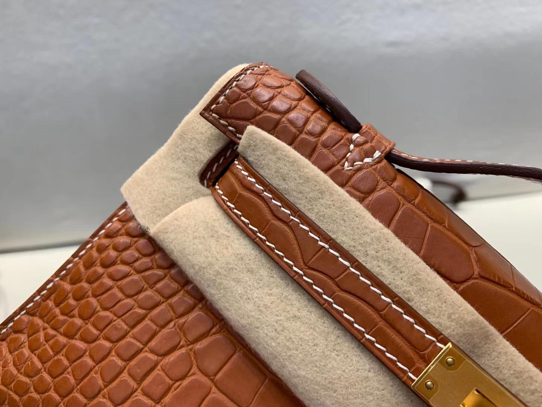 Hermès(爱马仕)minikelly pochette Alligator matt 美洲 雾面鳄 棕色 马鞍色 22cm 金扣